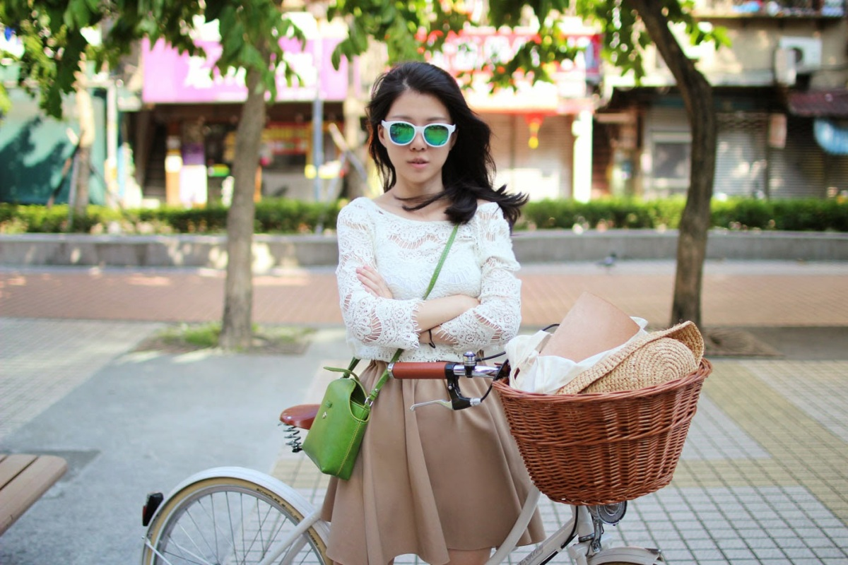 防走光撇步在這裡|女孩不要怕!跟著榮幸一起勇敢穿裙子騎單車